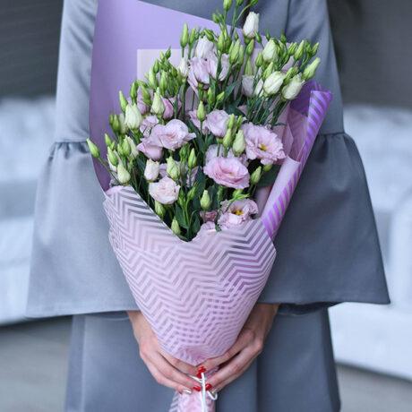 Букет из 11 розовых эустом