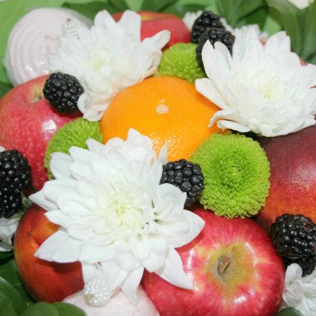 Букет из фруктов и зефира