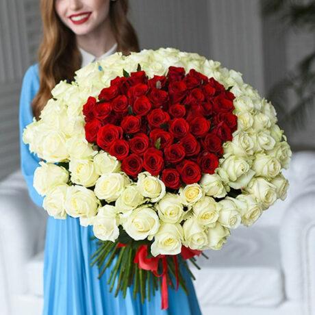 Букет-сердце из 111 роз