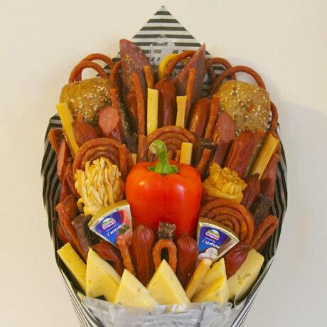 Мужской букет из колбасы и багета