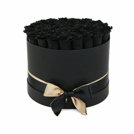 39 черных роз в шляпной коробке