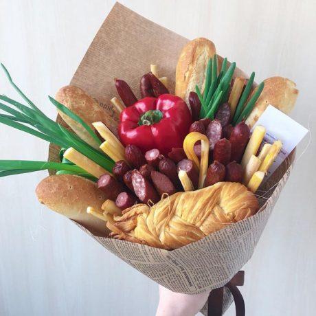Мужской букет из колбасы и 1 перца