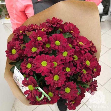 Букет из красных хризантем