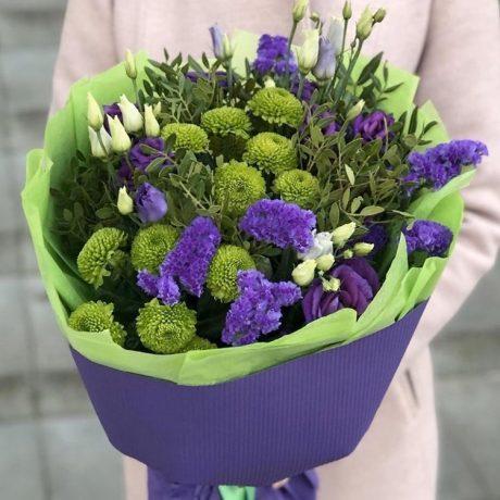 Букет из зеленых хризантем и эустом