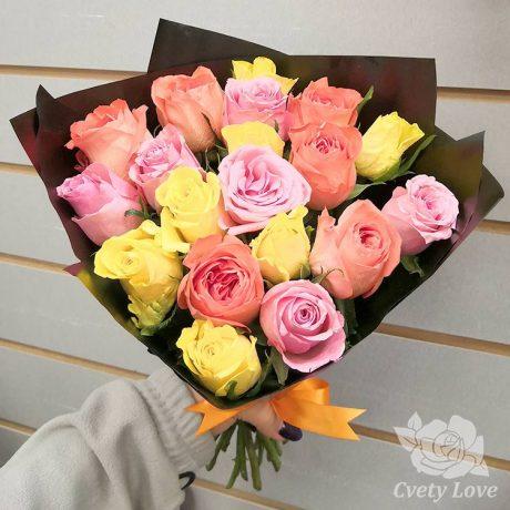Букет из 19 кенийских роз