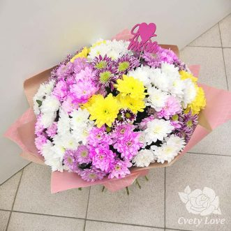 Букет из 21 разноцветной хризантемы