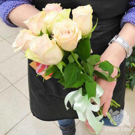 Букет из 7 кенийских роз