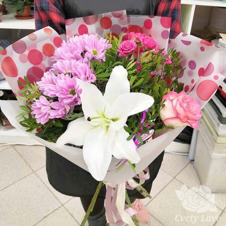 Букет из лилии, роз и хризантем