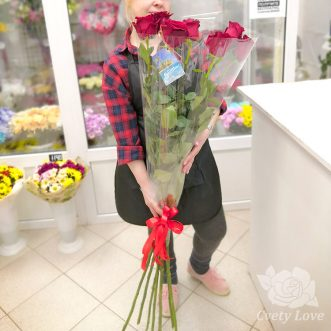 Букет из 7 высоких роз
