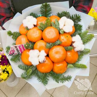 Новогодний букет из мандаринов и хлопка